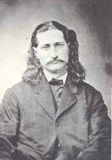 """James B. """"Wild Bill"""" Hickok (1837-1876). Après avoir été éclaireur pour l'armée il devint l'un des plus efficaces représentants de l'ordre du Far West."""