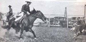 Pine Johnson en action sur le dos de Poco Bueno.