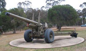 Canon britannique de 5,5 pouces semblable à ceux utilisés par les hommes du 4ème Régiment d'artillerie moyen.