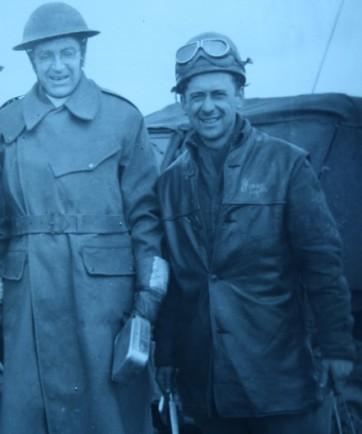 """Le """"padre"""" Lucien Clermont, à gauche, en compagnie de Gaston Toutant."""