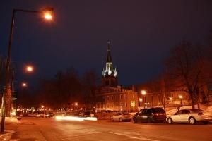 La nuit, la ville de Trois-Rivières imprime des mystères que parfois les archives arrivent à démystifier. (photo: Eric Veillette 2011)