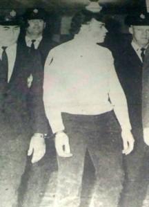 Après la lecture du verdict, Ludger Delarosbil était raccompagné par des agent correctionnels.