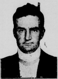 Andrew Day a massacré sa famille en décembre 1929 avant de tenter de s'enlever la vie en se tranchant la gorge. On constate d'ailleurs sur cette photo le pansement qu'il porte autour de sa plaie.