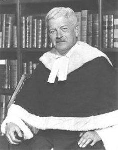 Me Gérald Fauteux était le procureur de la Couronne lors du procès de Bélisle.  Plus tard, il sera nommé juge avant de s'éteindre en 1980 à l'âge de 79 ans.