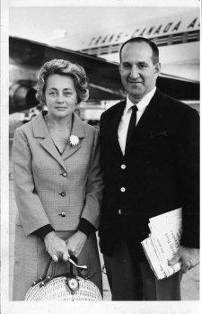 Pierre Laporte en compagnie de sa femme (BanQ: 03Q_P428S3SS1D44P359)