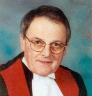 Me Jean-Guy Boilard est plus tard devenu juge. Il rédige aujourd'hui des ouvrages sur le droit.