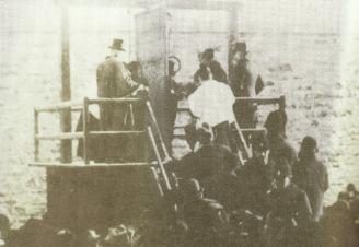 Pendaison de Cordélia Viau. C'est avec l'aide de son amant, Sam Parslow, qu'elle a assassiné son mari en 1897.